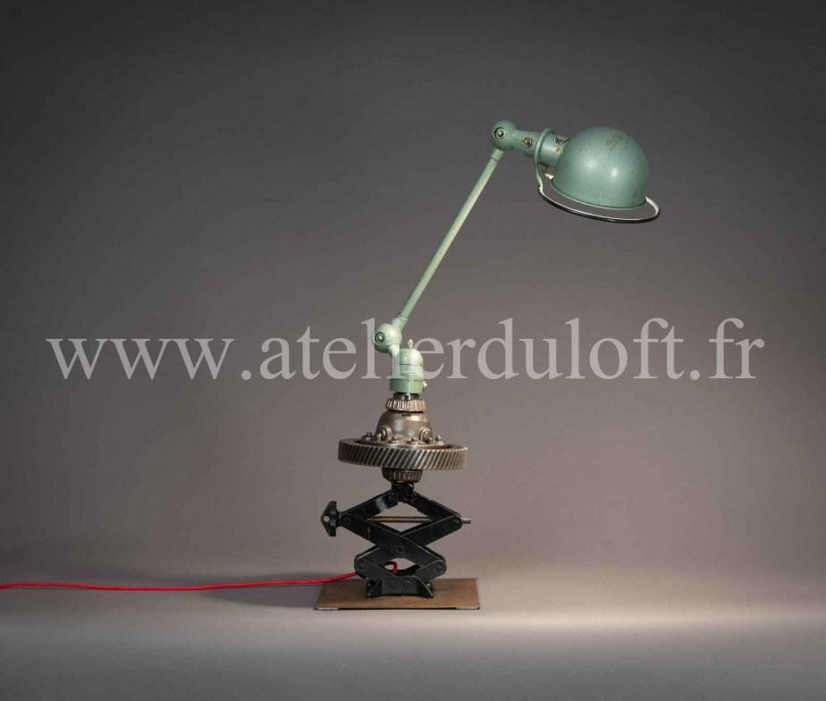 lampe jield lampe industrielle jielde jld luminaire industriel. Black Bedroom Furniture Sets. Home Design Ideas