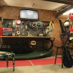 Decoration garage sculpture automobile id es cadeaux pour fans d 39 auto - Decoration garage automobile ...