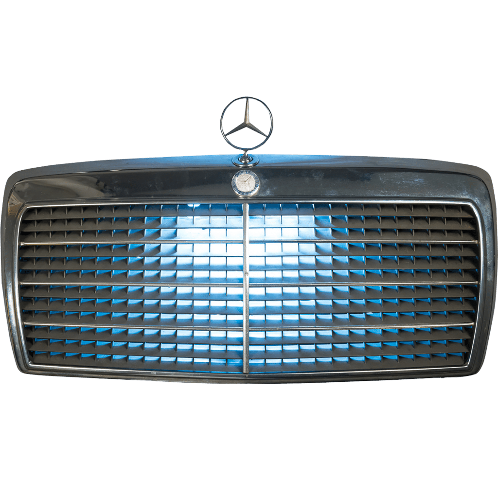 Decoration auto applique Mercedes 250D 1984