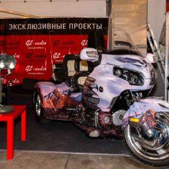 Passionnés d'auto/moto ? Cette lampe Harley Davindson devrait vous plaire La moto se fait une petite place dans la deco maison insolite pour fans de moto