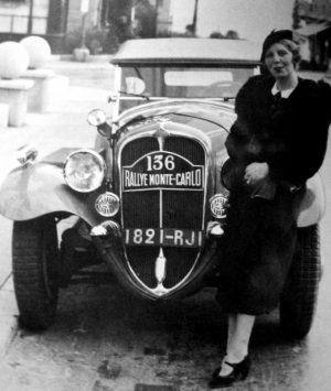 Schell 1935-Delahaye 135 Lucy Schell Atelier du Loft Mobilier avec pièces auto