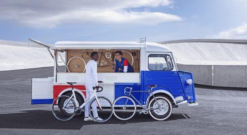 Daniela DAUDE artiste sur l'univers de l'auto Mobilier avec pièces d'auto retro collection moto, art de la table luminaire deco garage pour passionné d'auto
