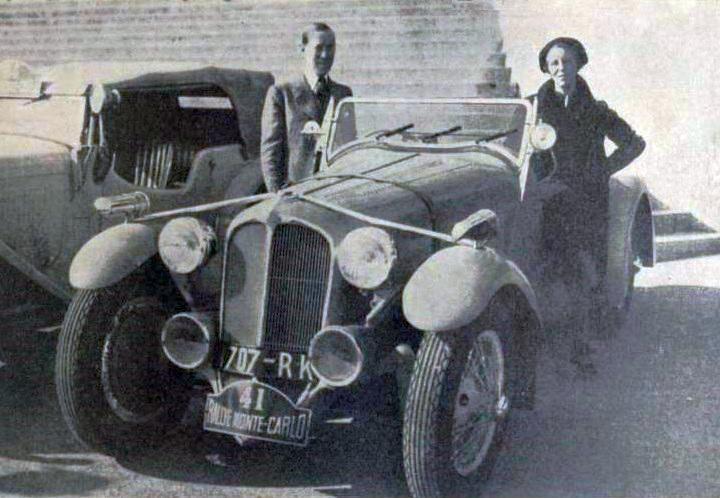 1936 femme Laury et Lucy Schell, deuxièmes du rallye Monte-Carlo 1936 sur Delahaye 18CV Sport 6 cylindres, à 2-5e de seconde du premier