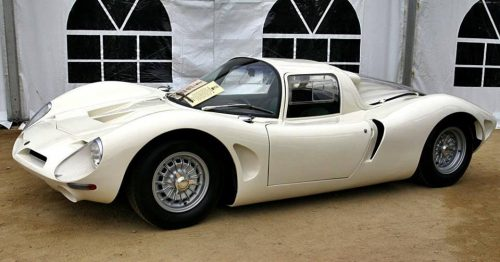 Bizzarrini P538 Duc D'Aoste (1967 Avec le moteur Chevrolet V8 de 5.300 cc avec 365 CV qui équipait le corvette Exposition Voitures Anciennes THIANT