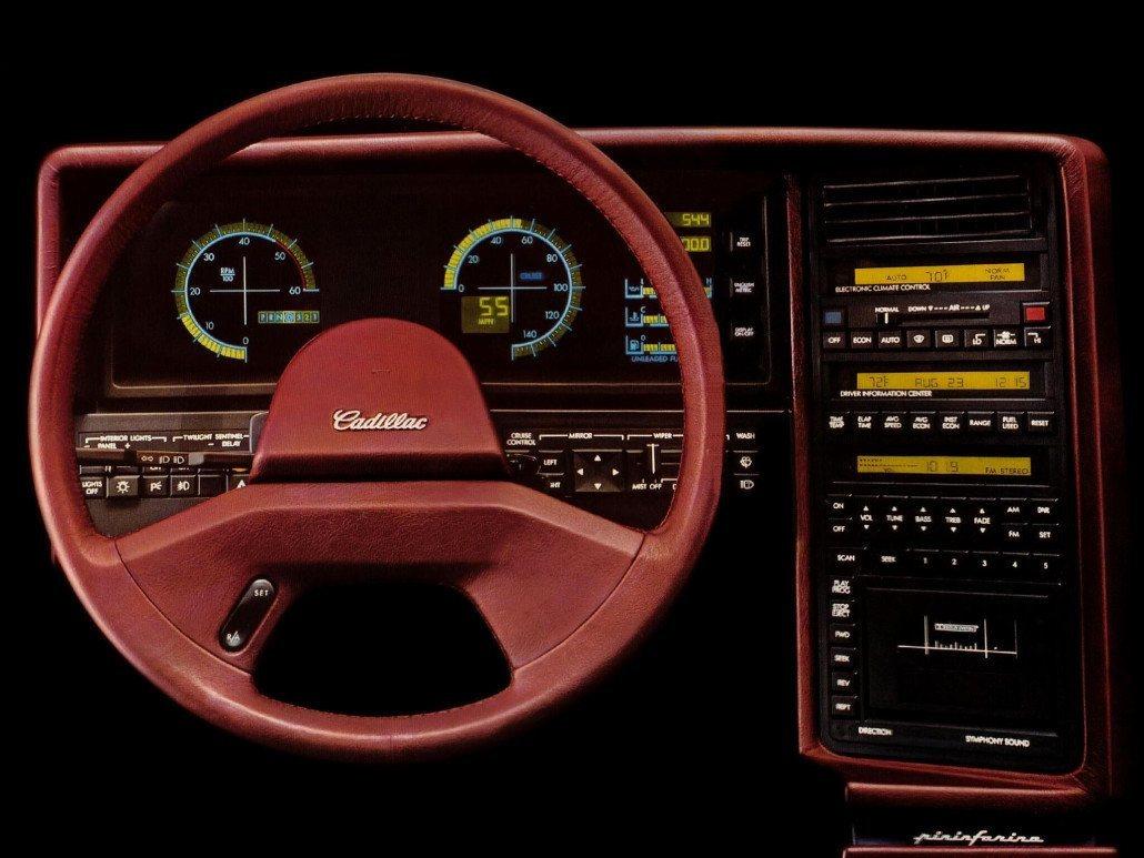 Cadillac Allante 1987 tableau de bord
