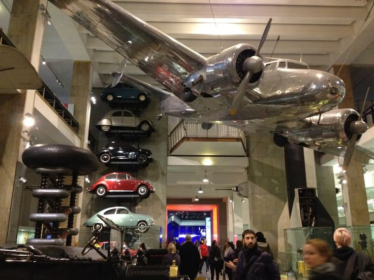 Musée automobile de Londre ou la Jaguar XJ13 à pris sa retraite