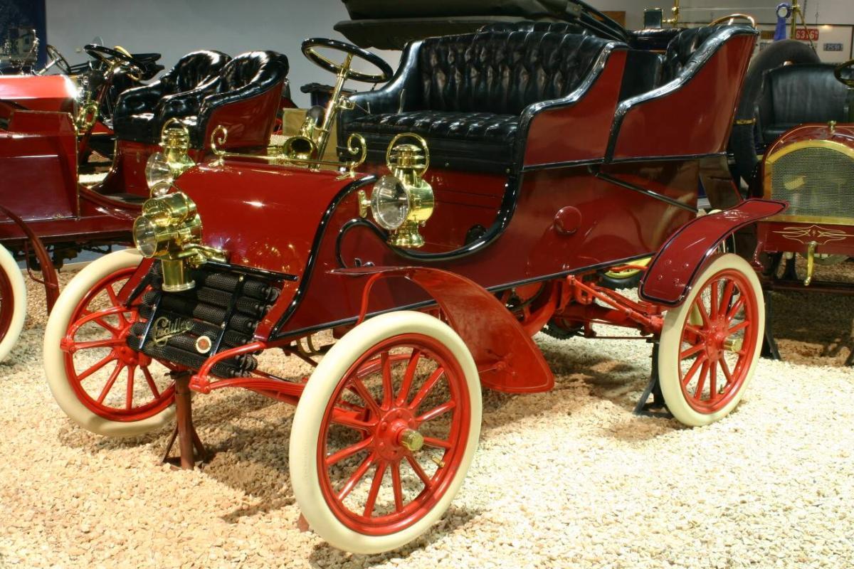 Première Cadillac 1903
