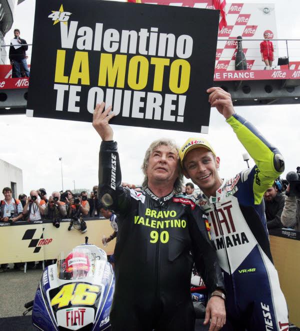 Angel Neto aux-cotes de Valentino Rossi-en-2008