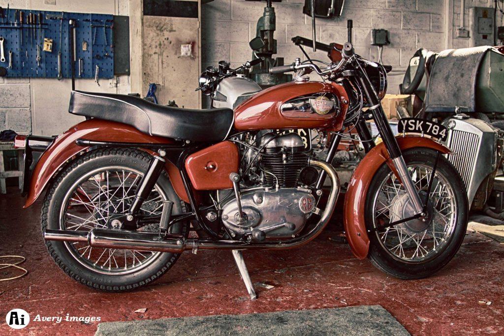 1959 royal 250 cc Nous vous attendons! au Mensuel motos anciennes Sélestat Dernier dimanche (67) Quai de l'Ill Agenda d'événements auto moto de Daniela DAUDE artiste univers automobile