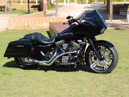 US Bikers Show MAISONS LAFFITTE Harley Davidson Agenda événements auto moto Daniela DAUDE artiste Mobilier avec pièces auto moto Journée Américaine de l'open MAISONS LAFFITTE 1er novembre baptême Harley