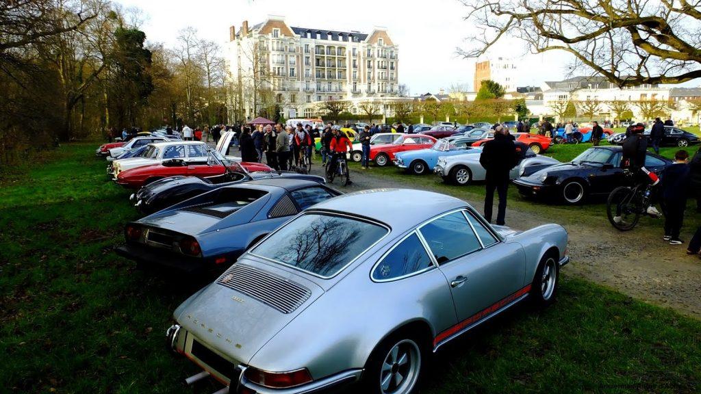 Le mensuel autos anciennes CHANTILLY est organisé par l': ASSOCIATION DES VÉHICULES D'ÉPOQUE DE CHANTILLY-LAMORLAYE