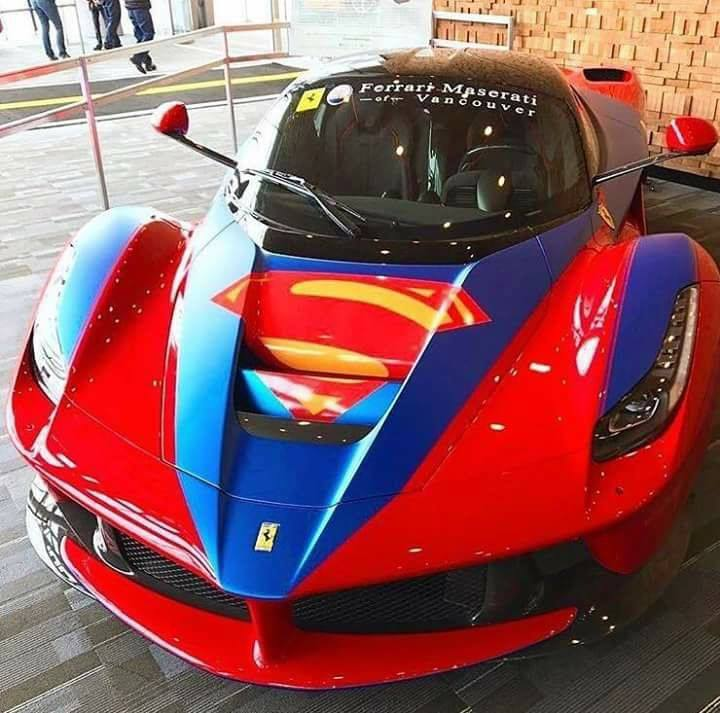 Ferrari customisé Autodrome Italian Meeting MONTLHERY A ne pas manquer pour découvrir,rouler...toutes les marques sont présentent Ferrari,Fiat, Maserati,Alfa, Ducati...