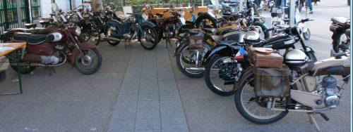 Nous vous attendons! au Mensuel motos anciennes Sélestat Dernier dimanche (67) Quai de l'Ill Agenda d'événements auto moto de Daniela DAUDE artiste univers automobile