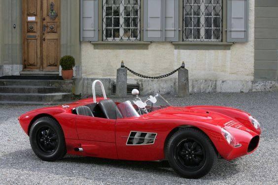 Epoqu'Auto LYON Bourse Expo voiture anciennes 2e weekend novembre |Agenda événements auto moto en France et en Europe de Daniela DAUDE artiste ARTautomobile