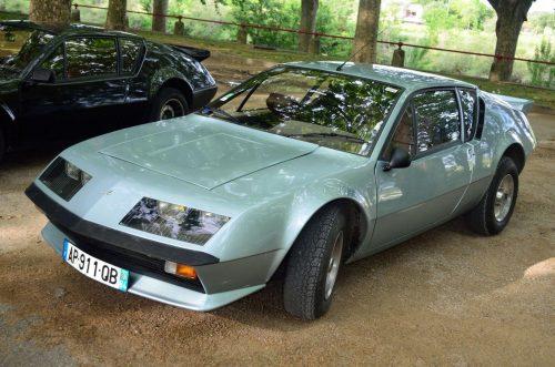 Parade Etiollaise de véhicules anciens ALPINE A 310 V6