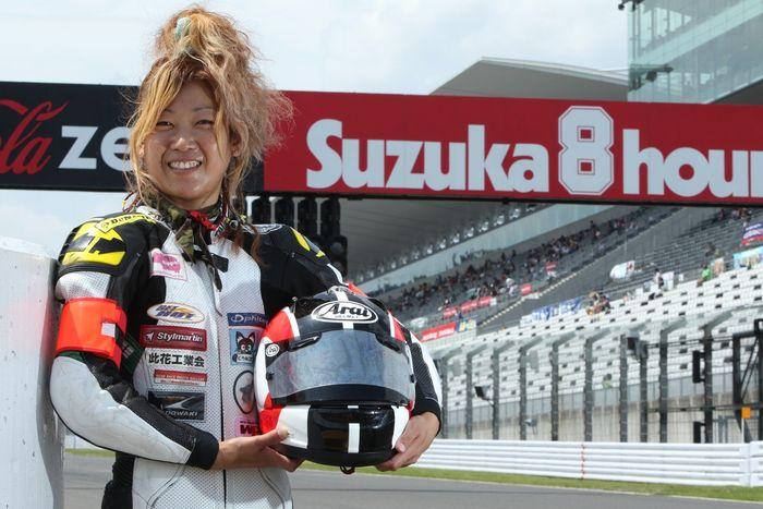 Takasugi réalise son rêve et devient pilote féminine moto en France