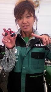 Naoko rêve de courir en Europe comme pilote féminine moto