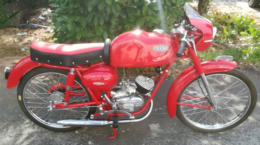 fait Ferrari sport de 1959 L'une de 3 exceptionnelles belles 50 cc Ferrari Tricycle Wheeler Vespa 1954 Salon de la moto ancienne ARTHAZ PONT-NOTRE-DAME