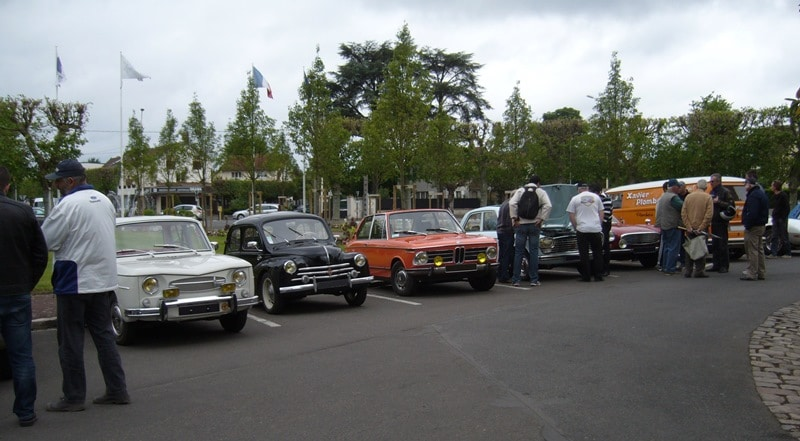 Rassemblement US Buffalo Cars & Bikes