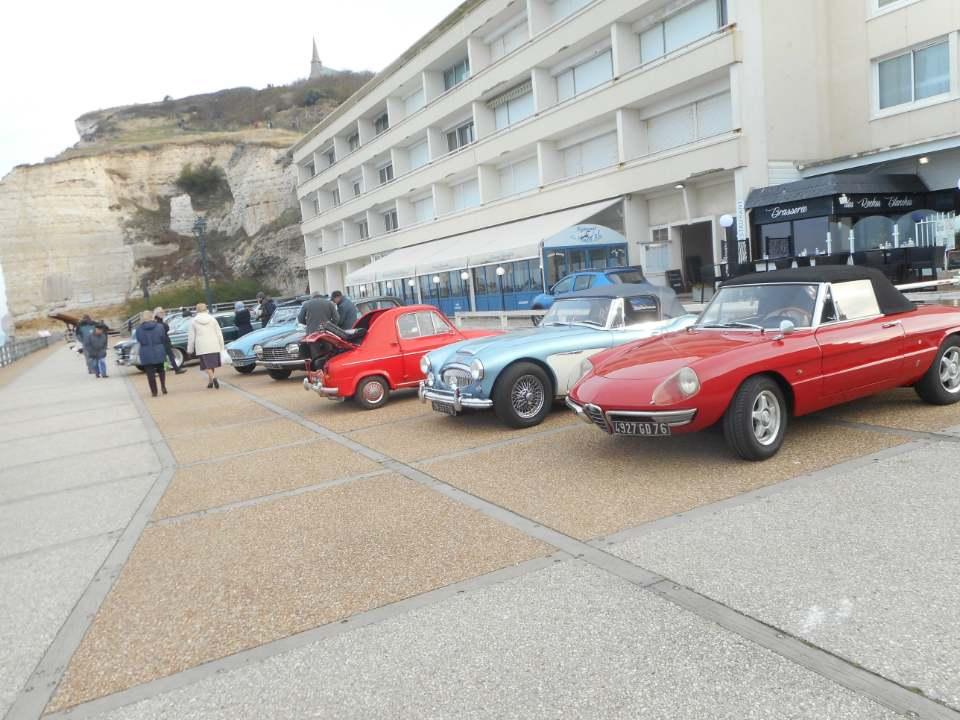 Mensuel ETRETAT est organisé parVespa Club Côte Normande